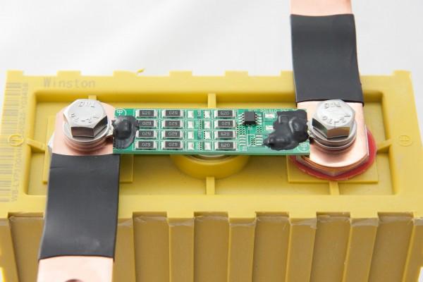 Balancer-/Lastmodul LiFePO Akkus 3,6V (0,7A) für Winston 100Ah